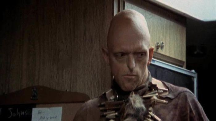 Кадр из классического фильма ужасов «У холмов есть глаза», 1977 год. | Фото: alchetron.com.