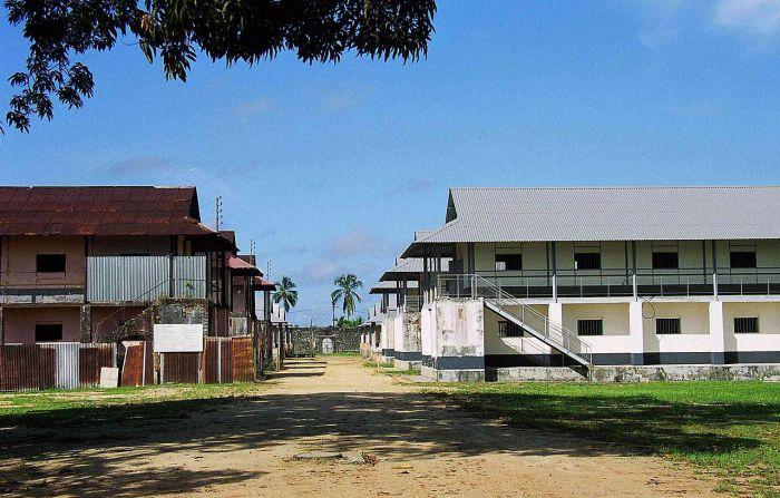 Бараки каторги Сен-Лоран-дю-Марони, Французская Гвиана. | Фото: ru.wikipedia.org.
