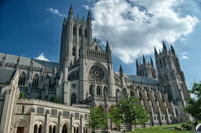Кафедральный собор святых Петра и Павла в Вашингтоне. | Фото: washington.org.