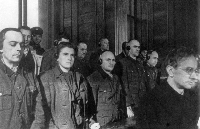 Мария Мандель на скамье подсудимых во время судебного процесса, 1947 год. | Фото: interesno.cc.