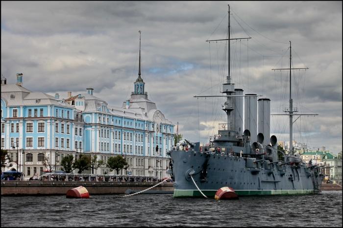 Крейсер «Аврора» в Санкт-Петербурге. | Фото: cityspb.ru.