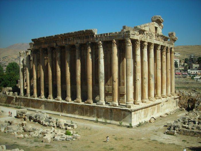 Храм Бахуса в Баальбеке (современный Ливан). | Фото: ngorod.net.