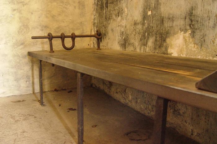 Одиночная камера для самых опасных преступников, Французская Гвиана. | Фото: atlasobscura.com.