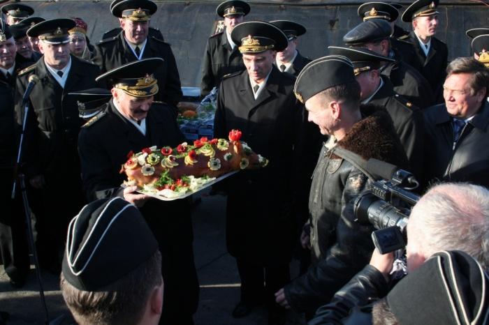 Торжественная встреча российских подводников. | Фото: zato-a.ru.