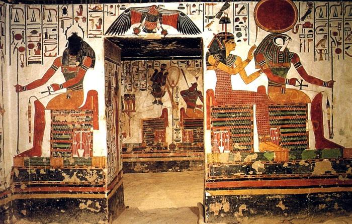 Египетские боги на стенах гробницы Нефертари. Фото: egyptopedia.info.