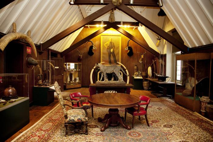 Комната в Клубе исследователей, Нью-Йорк. | Фото: theselby.com.
