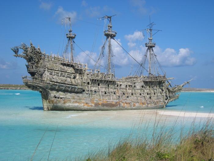 «Летучий голландец» из знаменитой пиратской киносаги. | Фото: masterok.livejournal.com.