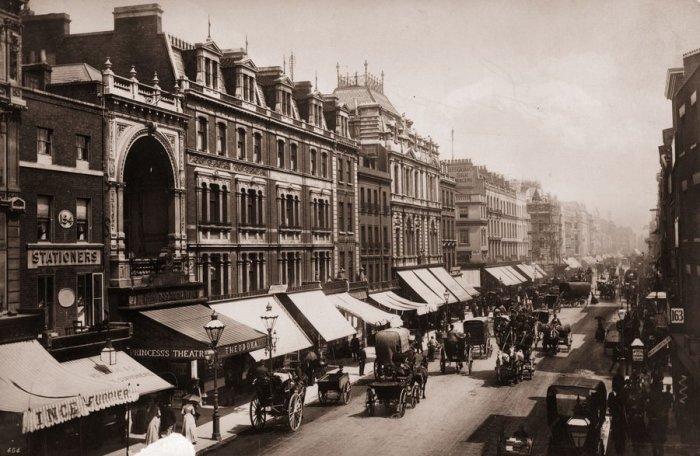 Лондонская улица Оксфорд-стрит в 1890 году. | Фото: npr.org.