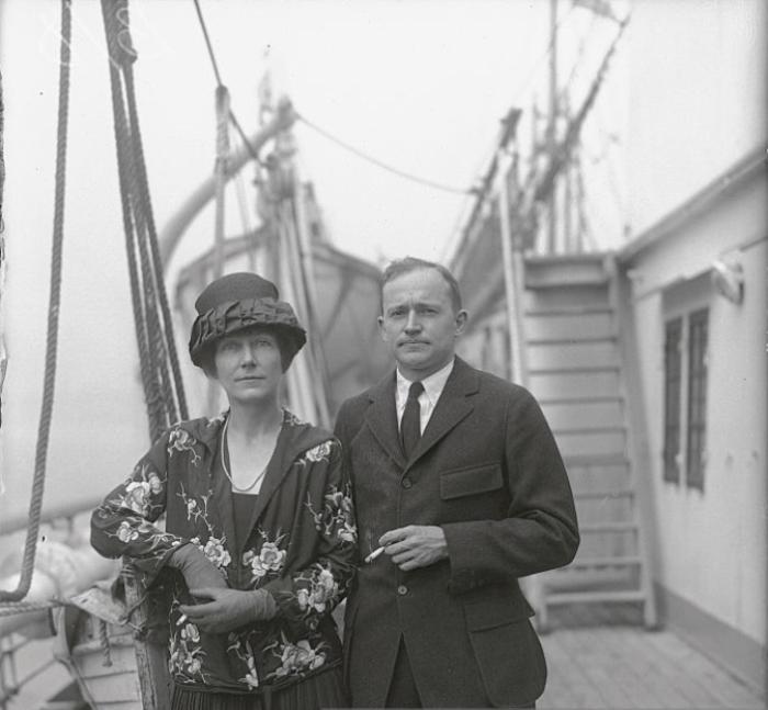 Маргерит Гаррисон и режиссер Мериан Купер. | Фото: gettyimages.com.