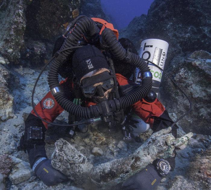 Бронзовая рука, найденная на дне Эгейского моря. | Фото: culture.gr.