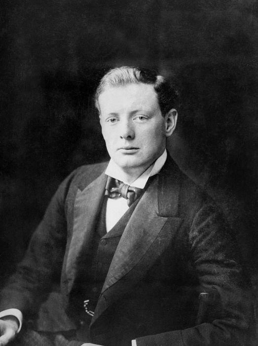 Портрет Уинстона Черчилля в 1900 году. | Фото: iwm.org.uk.