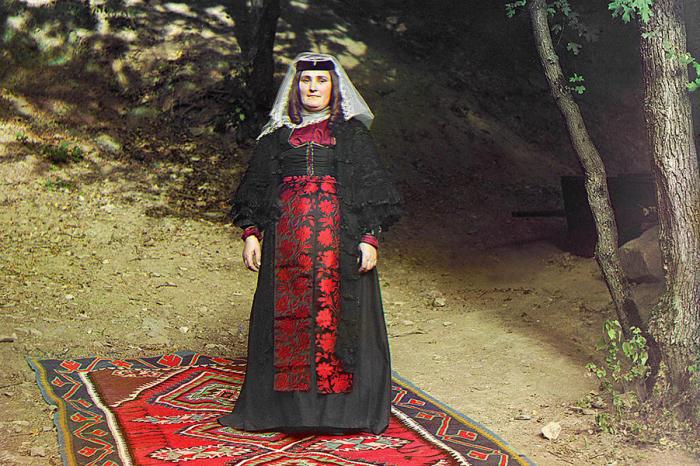 Женщина-грузинка. Прокудин-Горский С.М., 1905-1915 гг. | Фото: kavkaz-costume.blogspot.ru.