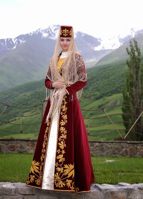 Красивая молодая осетинка. | Фото: wlooks.ru.