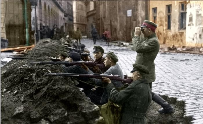 Латышские стрелки обороняют Ригу в ноябре 1919 года. | Фото: latvjustrelnieki.lv.