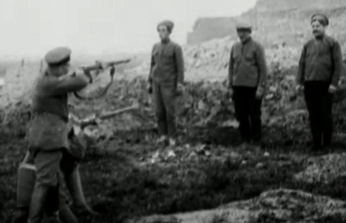 Момент перед выстрелом, 1919 год. | Фото: youtube.com.