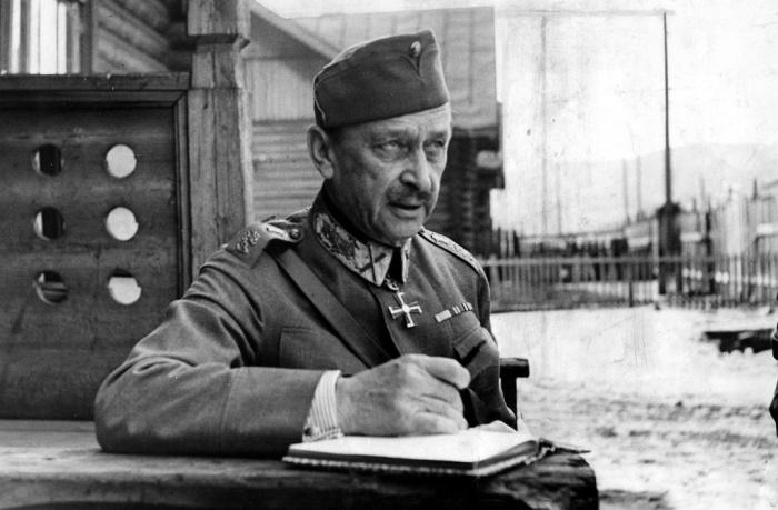 Правитель Финляндии Карл Густав Эмиль Маннергейм. | Фото: shkolazhizni.ru.