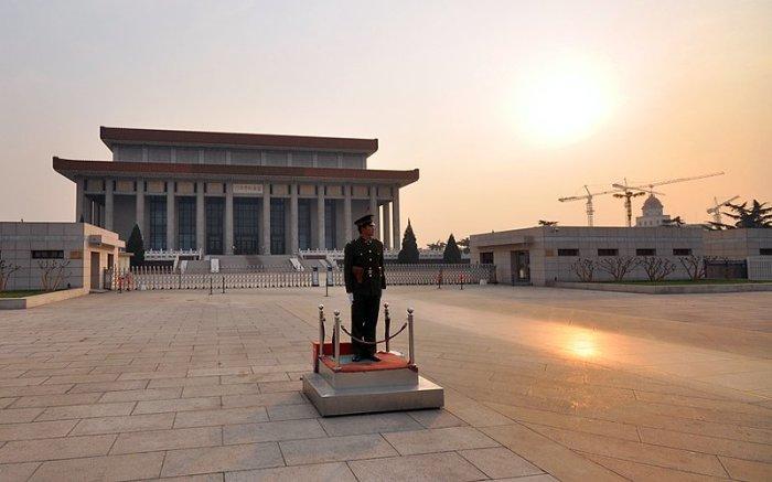 Мавзолей Мао Цзедуна в Пекине. | Фото: ru.gbtimes.com.