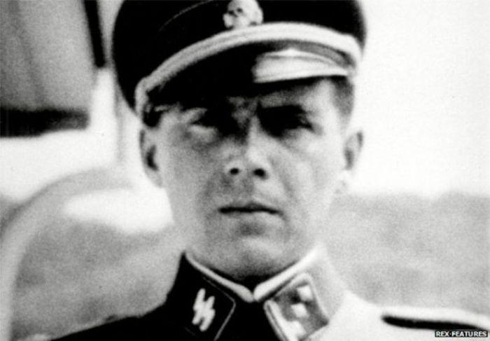 Доктор Менгеле, также известный как «Ангел смерти из Освенцима». | Фото: the-submarine.ru.