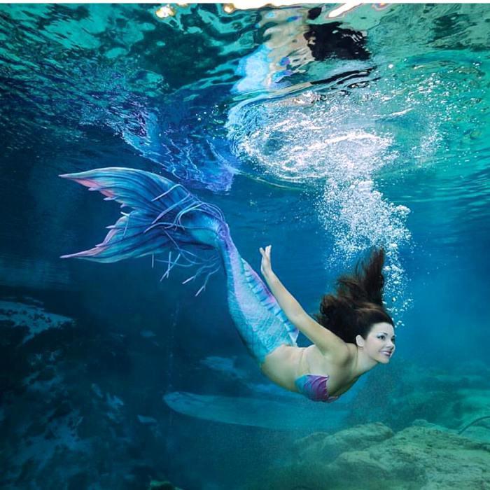Красота и грациозность русалки из Уики Уэши. | Фото: springhillnow.com.