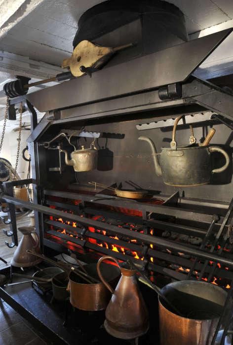 Кухня на британском линейном корабле HMS Victory. | Фото: pikabu.ru.