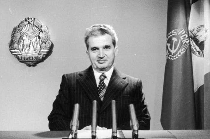 Николае Чаушеску выступает перед румынским народом. | Фото: spectator.co.uk.