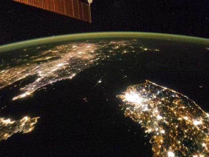 Северная Корея в темноте. | Фото: therichest2.imgix.net