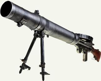 Пулемет системы Льюиса скорострельностью 550 выстрелов в минуту – основная надежда австралийцев. | Фото : opoccuu.com