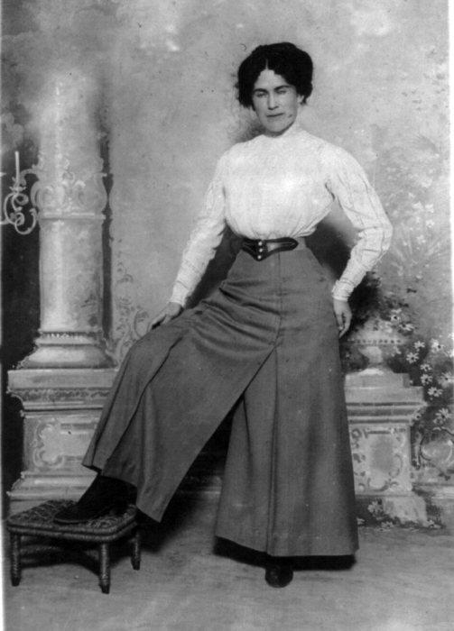 Платье с разделенной юбкой. Нью-Йорк, 1910 год. | Фото: imgur.com.