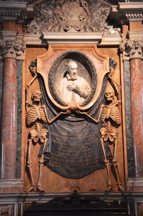 Могила кардинала Мариано Пьетро Веччиарелли, 1639 год. | Фото: hiveminer.com.