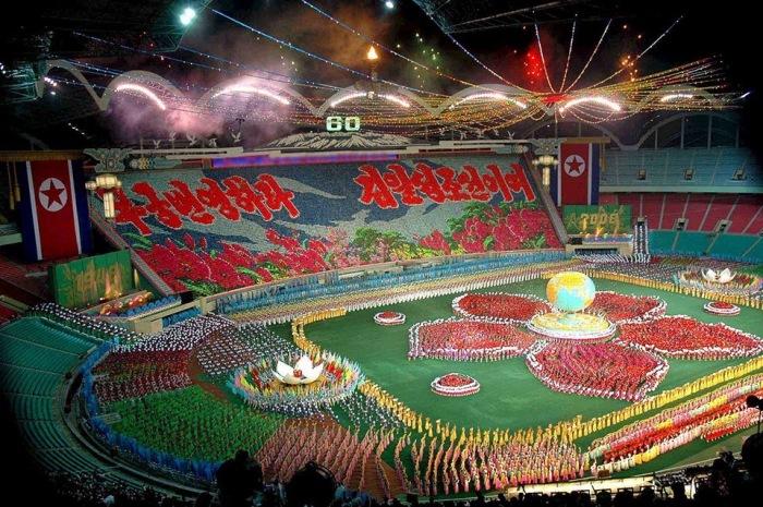 На стадионе площадью 20,7 гектар проводятся грандиозные многотысячные выступления. | Фото: reddit.com.