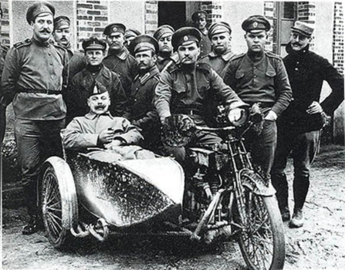 Российские и французские солдаты. | Фото: portal-kultura.ru.