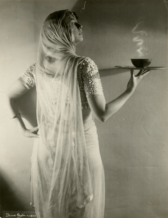 Рут Сен-Дени в «Фимиаме».