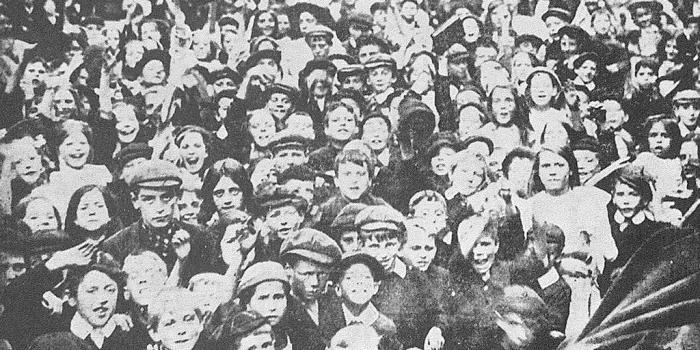 Школьники британского города Гулль вышли на демонстрацию, 1911 год. | Фото: libcom.org.