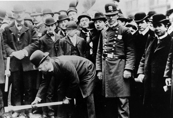 Церемония начала строительства метро. Нью-Йорк, март 1900 года. | Фото: atlasobscura.com.