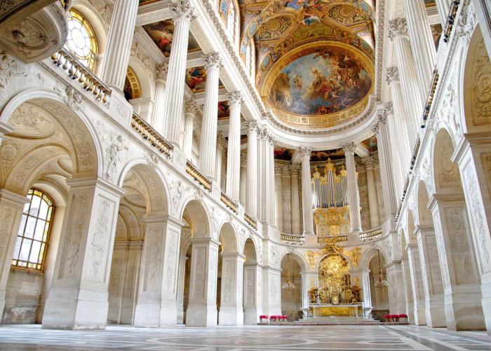 Дворцовая церковь Версаля. | Фото: fiveminutehistory.com.