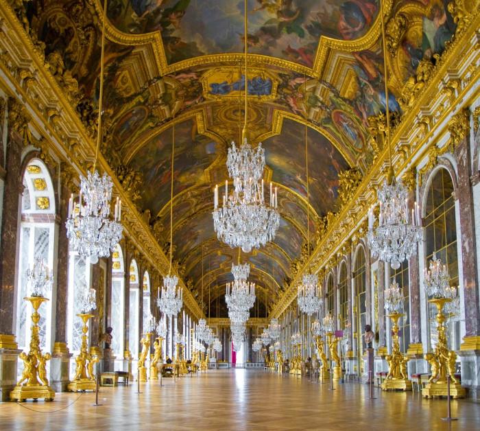 Зеркальная галерея. Версаль. | Фото: fiveminutehistory.com.