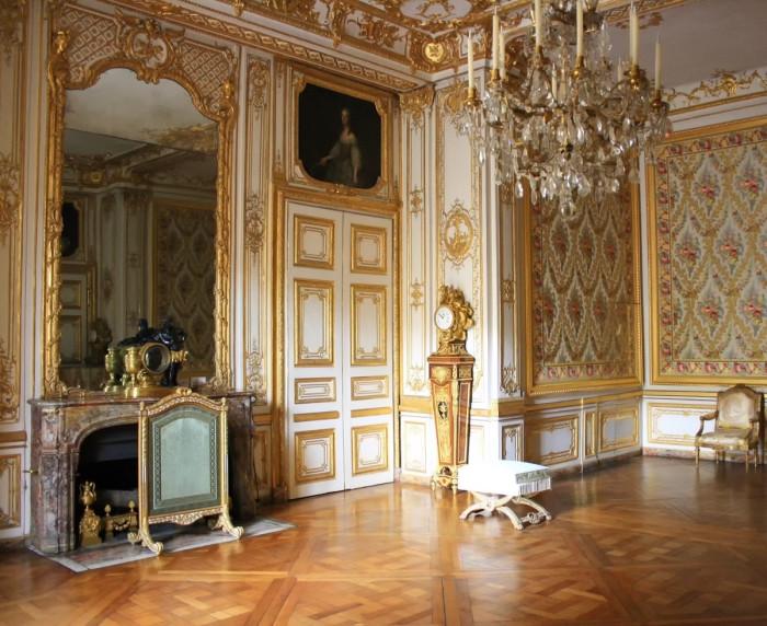Малые апартаменты Короля в Версале. | Фото: fiveminutehistory.com.