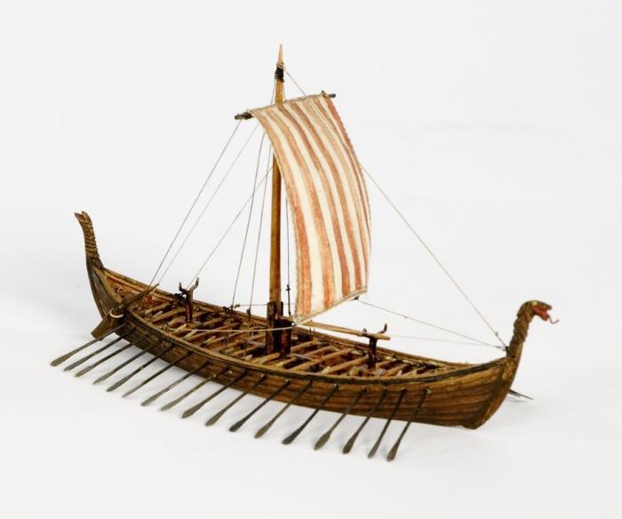 Модель Осебергского корабля викингов. | Фото: upload.wikimedia.org.