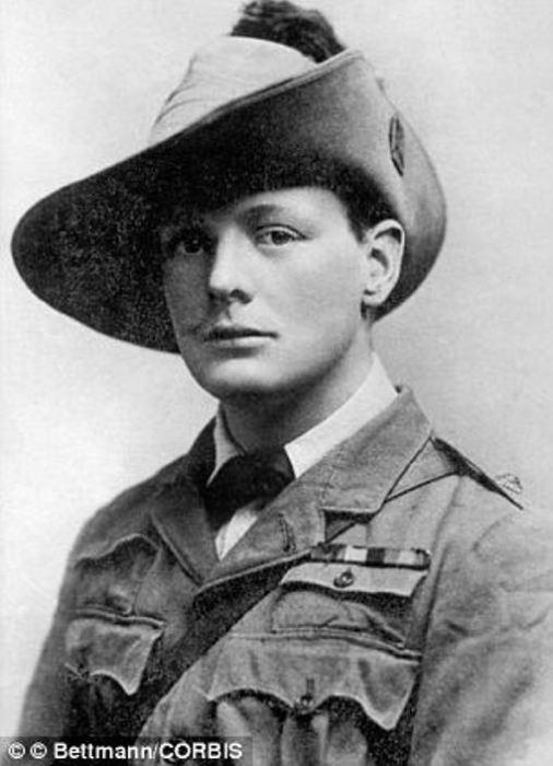 Уинстон Черчилль, военный корреспондент  «Морнинг Пост» в Южной Африке. | Фото: winstonchurchilltheleader.blogspot.com.
