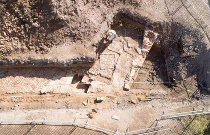 Открытие на древних раскопках: «Стены разграбленного монастыря».
