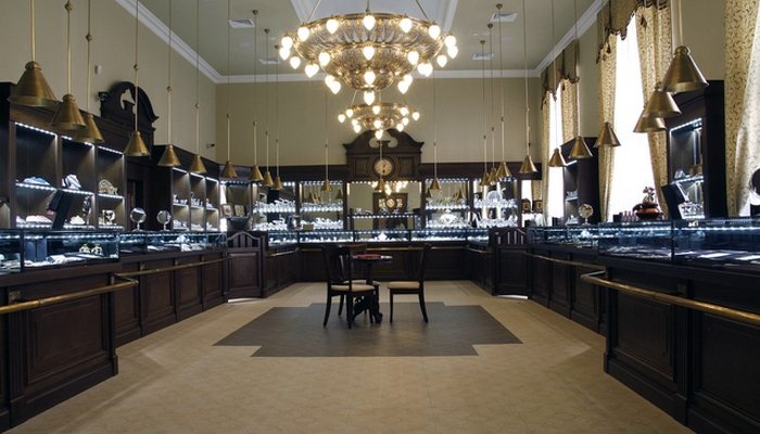 Торговый зал магазина «Яхонт - Дом Фаберже»./ Фото: aloha-plus.ru