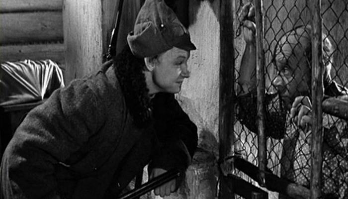 Обучение через решетку. Кадр из фильма «Начальник Чукотки»./ Фото: ussr-kruto.ru