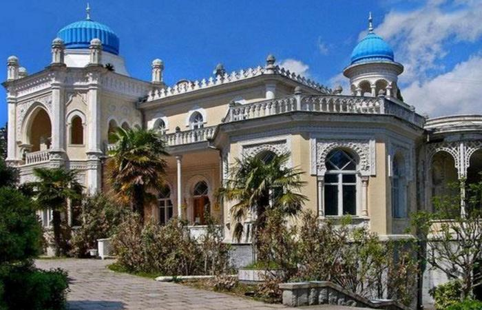 Архитектура Крыма: дворец Эмира Бухарского «Дилькисо»./ Фото: ariadna-crimea.ru