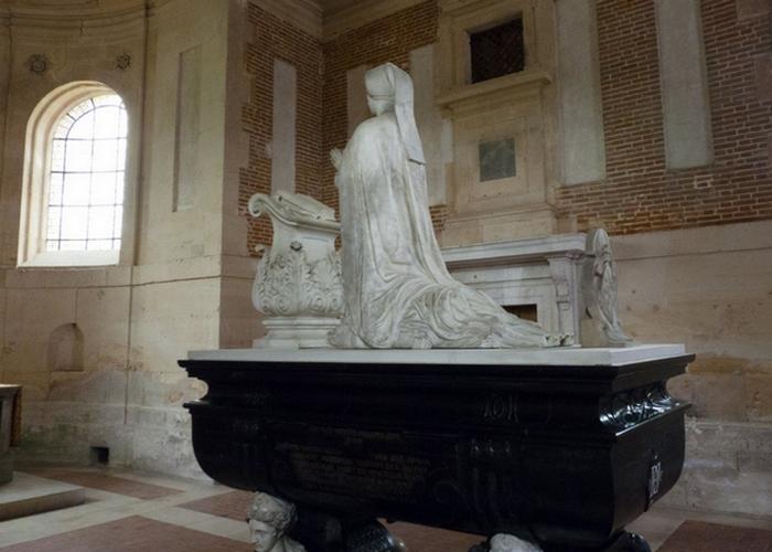 Гробница Дианы де Пуатье./ Фото: frenchrenaissancecostume.com