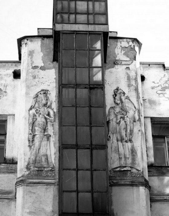 «Египетский дом» на Захарьевской 23 в Санкт-Петербурге. Шахта лифта.