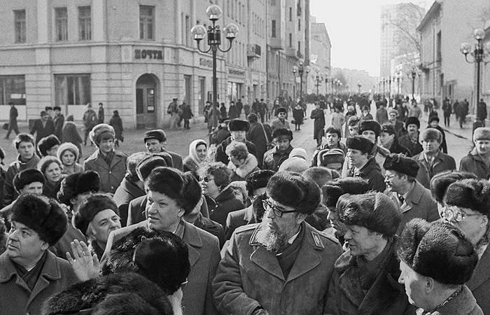 Года идут -ушанки живут! Борис Ельцин и Фидель Кастро, 1964 год/ Фото: vestnikk.ru