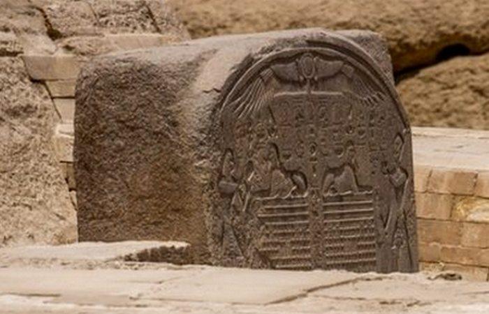 Большой Сфинкс Гизы построен по указанию фараона Хафра.