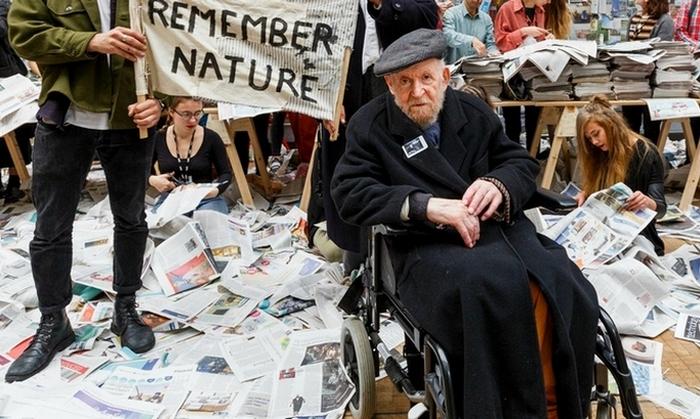 Основоположник искусства саморазрушения Густав Мецгер./ Фото: tabletmag.com