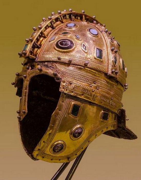 Шлем из Беркасово./ Фото: peakpx.com