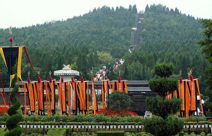 Невероятная могила первого императора Китая.